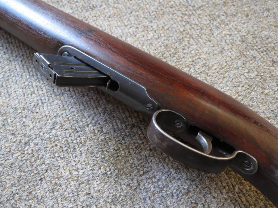 Look Up Number >> Remington , Remington Scoremaster .22 Model 511 in good condition. Includes magazine.