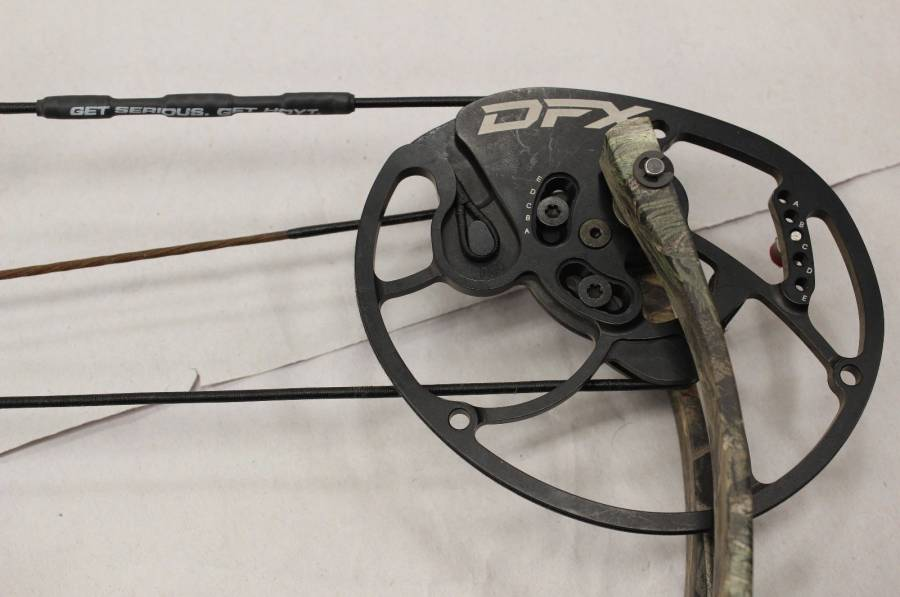 Hoyt Carbon Defiant Compound Hunting Bow, Brand New Hoyt