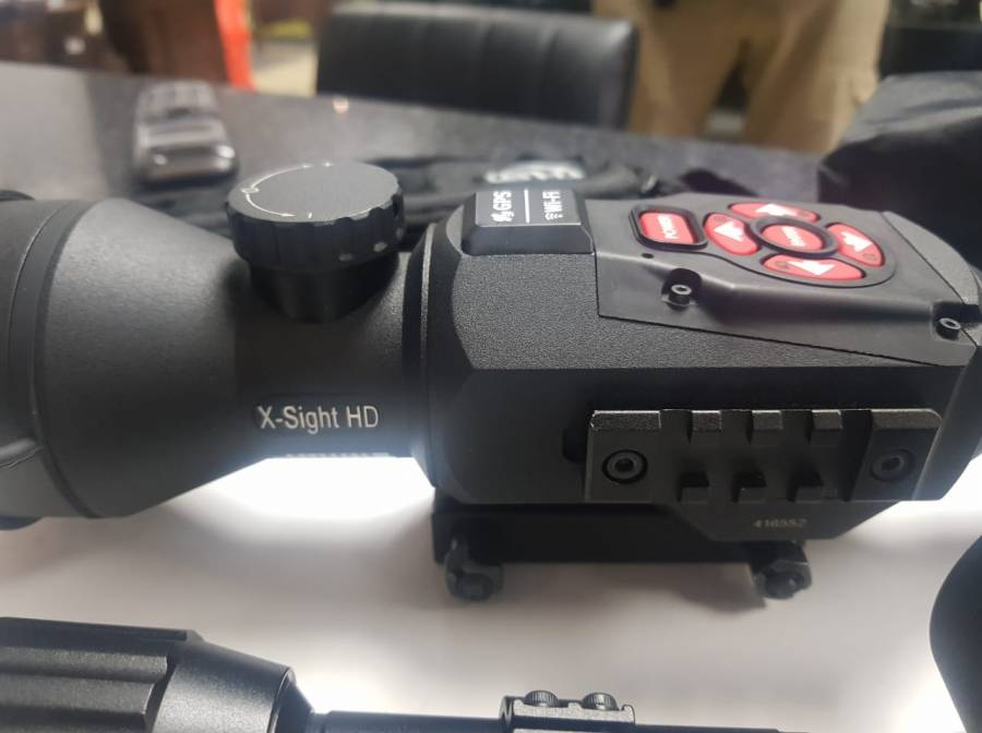 Nightvision Sight, SD Card, Bluetooth WI-Fi, Smooth Zoom, Video